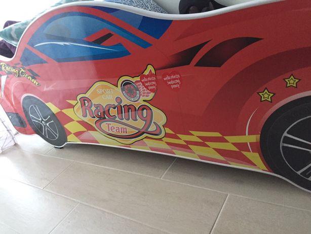 Łóżko auto dla chlopca