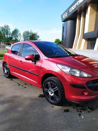 Продам автомобиль Peugeot 207