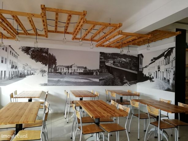 Trespasse café / restaurante /bar /snackbar com esplanada e bom retorn