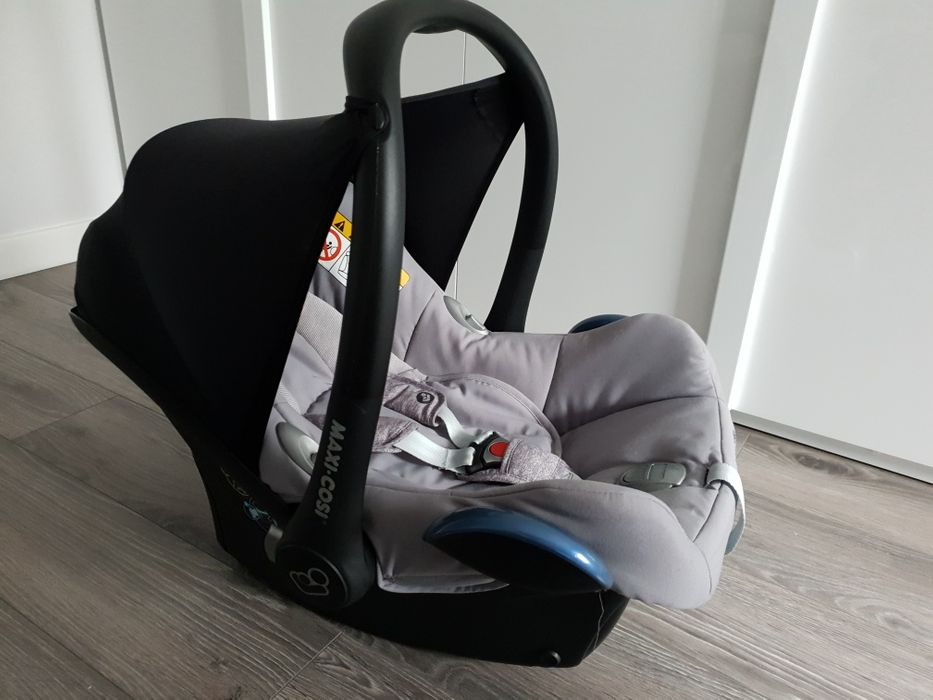 Fotelik maxi cosi cabriofix z gwarancją używany 6 miesięcy Sulechów - image 1