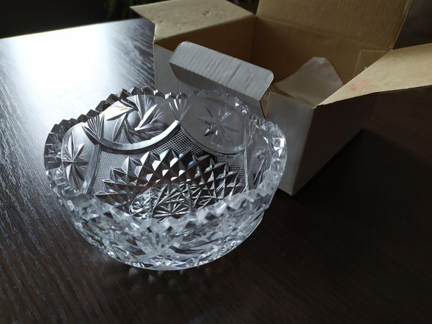 Хрустальная новая ваза в упаковке