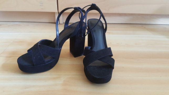 Sandálias de Salto (NOVAS)