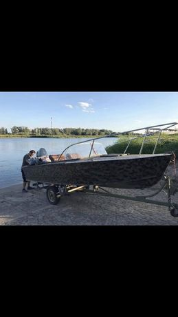 Łódka aluminiowa wędkarska zaburtowa