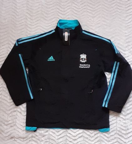 Nowa wiatrówka firmy Adidas z logo Liverpool 1892