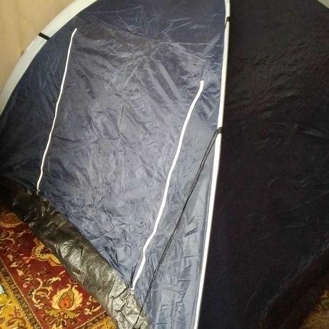 Продам 3-х местную палатку. Есть москитная сетка.