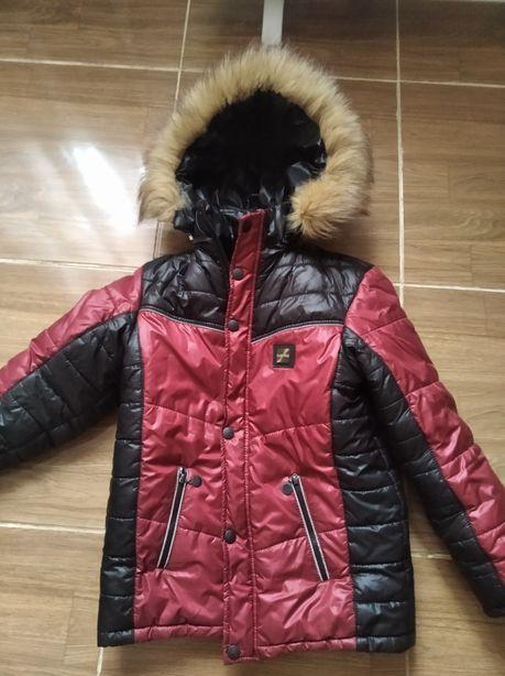Продам куртку на подростка р140