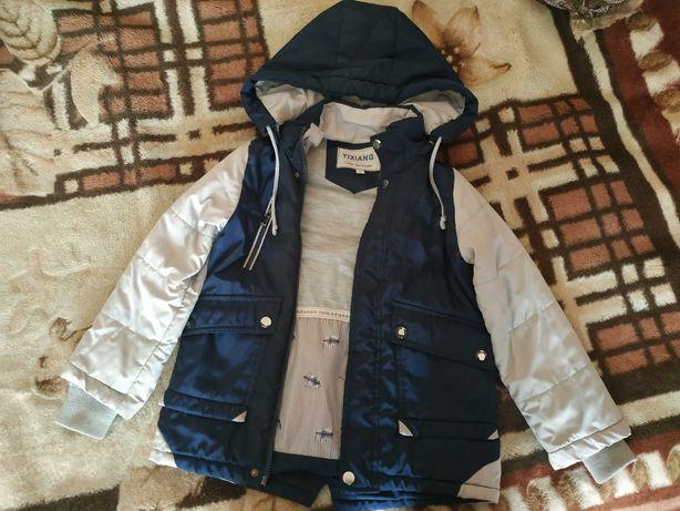 Куртка на мальчика 110 см осень-весна