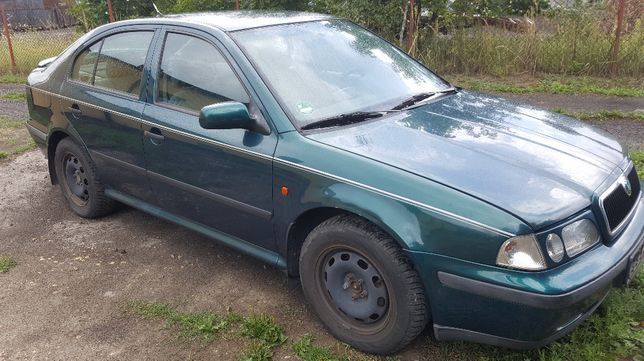 Drzwi prawy tył Skoda Octavia I Sedan 9595