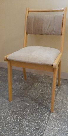 Krzesło Drewniane Jasne, Obicie W Jasnym Beżowym Kolorze
