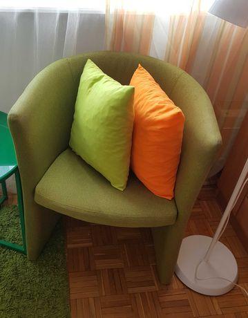 bardzo wygodny fotel kubełkowy, zielony, siedzenie