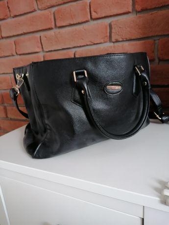 Duża czarna torba skórzana