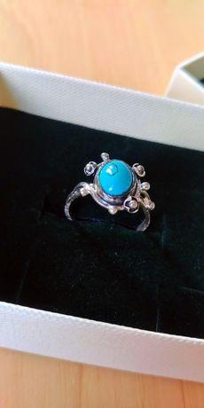 Piękny srebrny pierścionek z turkusem. Wysoka próba!