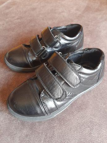 Детские кожаные туфли- кеды на липучках +сандалии в подарок