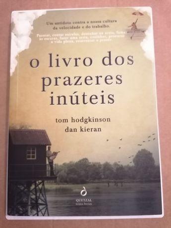 """""""O livro dos prazeres inúteis"""""""