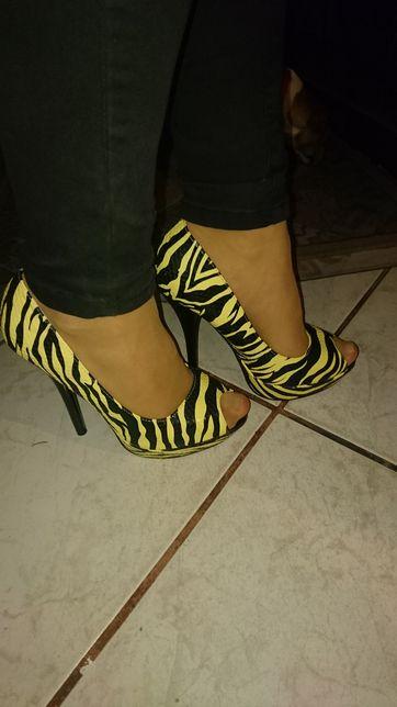 Buty na szpilce 38 ,żółto - czarne, nowe