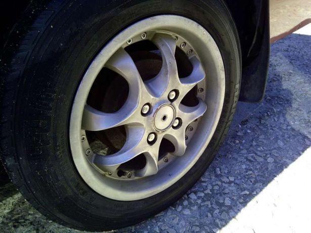 """Jantes 4x100 14"""" com pneus novos"""
