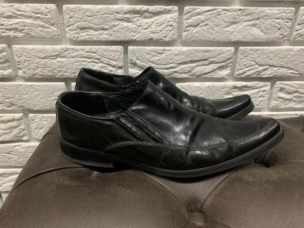 Чёрные мужские кожаные туфли в хорошем состоянии