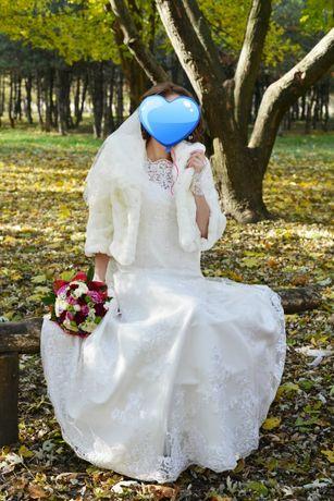 Свадебное платье (от Victoria Karandasheva)