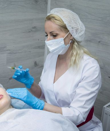 Мезотерапия, чистка лица, лечение акне биоревитализация.
