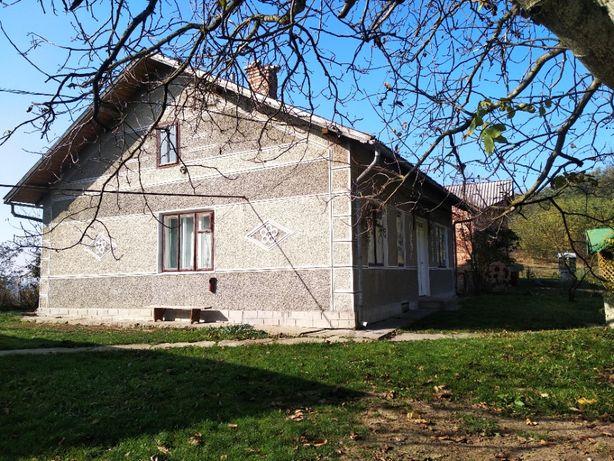 Продається будинок в м.Снятин, Івано-Франківської області.