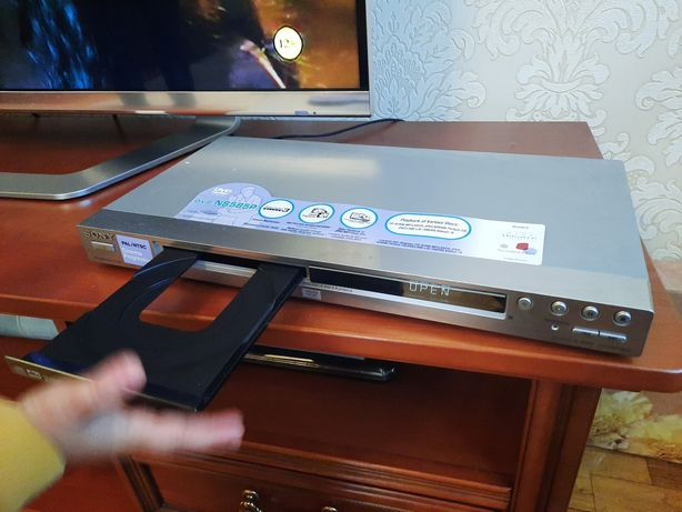 Sony DVD плеєр dvp ns585p