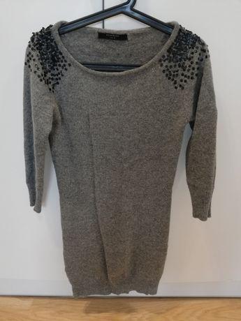 Długi sweterek, sukienka Reserved 36