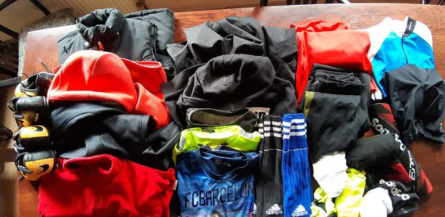 Komplet ubrań sportowych 134 cm
