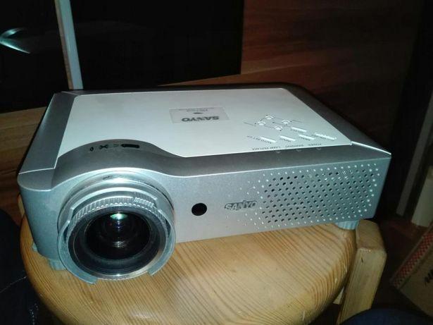 Projektor, rzutnik Sanyo PLC-XU84 okazja warto