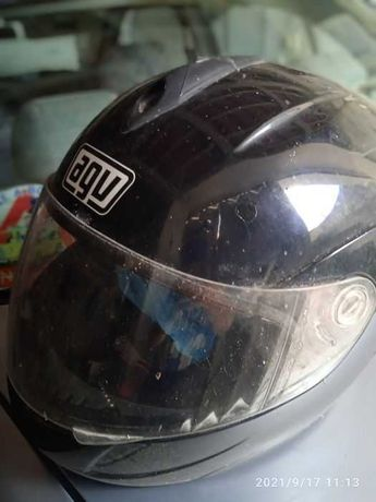 Vendo capacete de mota preficional. Dos melhores.