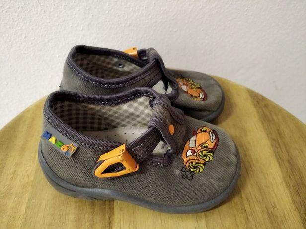 Pantofle r. 19