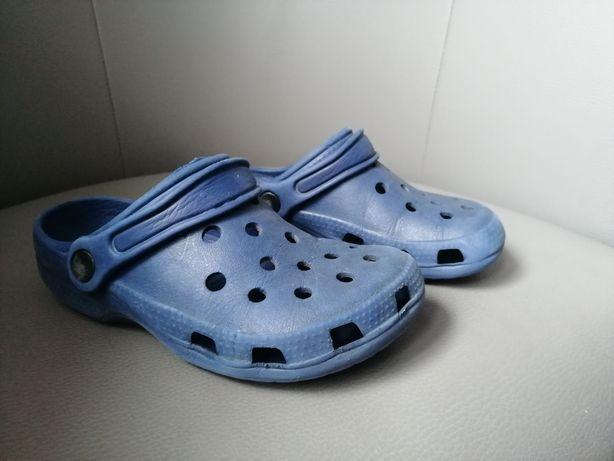 Klapki gumowe typu crocs