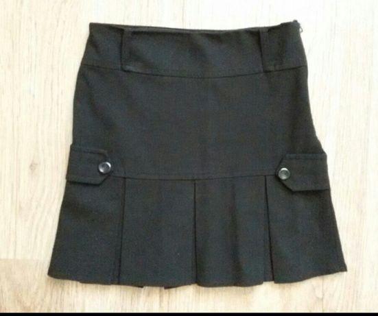 Школьные юбки на молнии и блузка 128