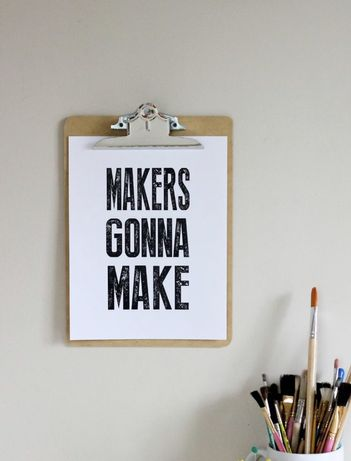 Trabalhos de design, como Flyers, cartazes, convites...