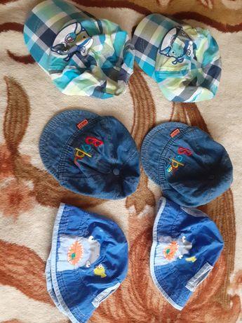 Letnie czapeczki dla bliźniaków