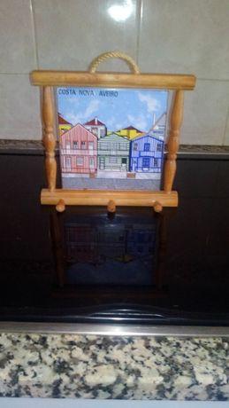 Azulejo Costa Nova em quadro de madeira