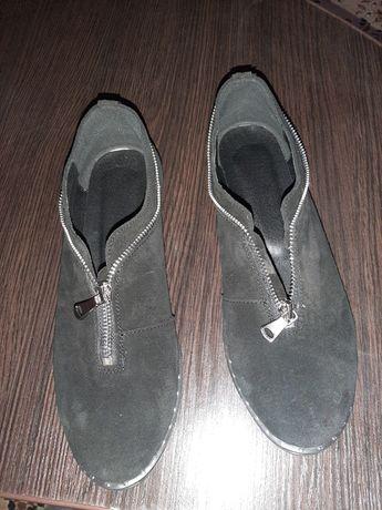 Продам классные новые замшевые туфельки