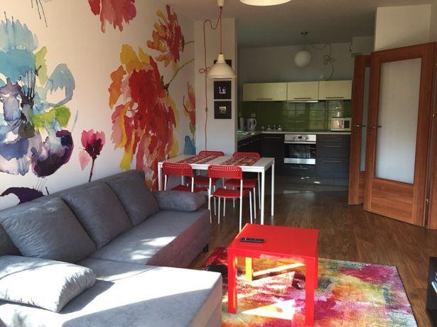 Słoneczny apartament w Krakowie, z parkingiem