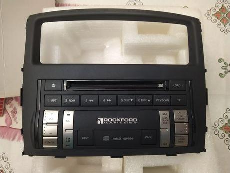 Магнитола Mitsubishi Pajero 4.Оригинал .Новая