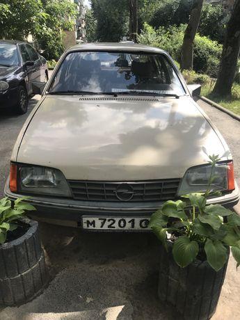 Продам Opel Rekord E