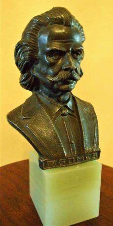 Busto em bronze de António Carlos Gomes, Compositor. 20cm de altura.