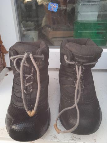 Продам ботинки на мальчика демисезонные28 размер