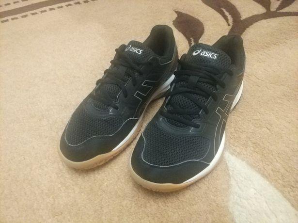Нові кросівки Asics