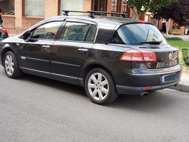 Автомобіль Renault Vel Satis рено