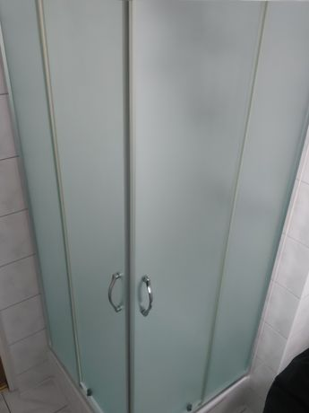 Kabina prysznicowa brodzik oraz słuchawka