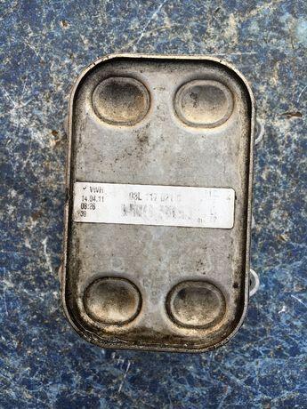 Теплообменник радиатор масла для Volkswagen T5 Golf Caddy 03L117021C