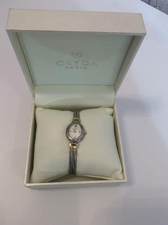 Часы Clyda