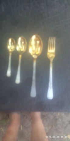 Продам десертный набор с нержавеющей стали на 6 персон с позолотой