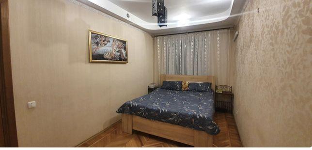 Продам двухкомнатную квартиру на среднем этаже Черёмушки/Филатова