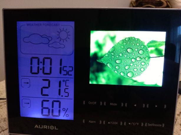 Stacja pogody z wyświetlaniem zdjęć.