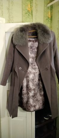 Пальто кашемировое.